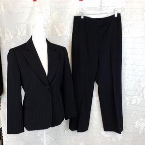 Tahari black pinstripe pantsuit size 8 P